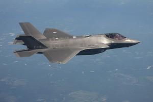 By US Air Force / Ministerie van Defensie (bron: Ministerie van Defensie.) [CC0], via Wikimedia Commons
